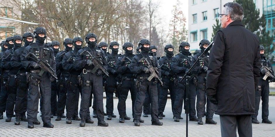 Autoritäre Formierung - Polizeigesetze in Hessen und Bayern